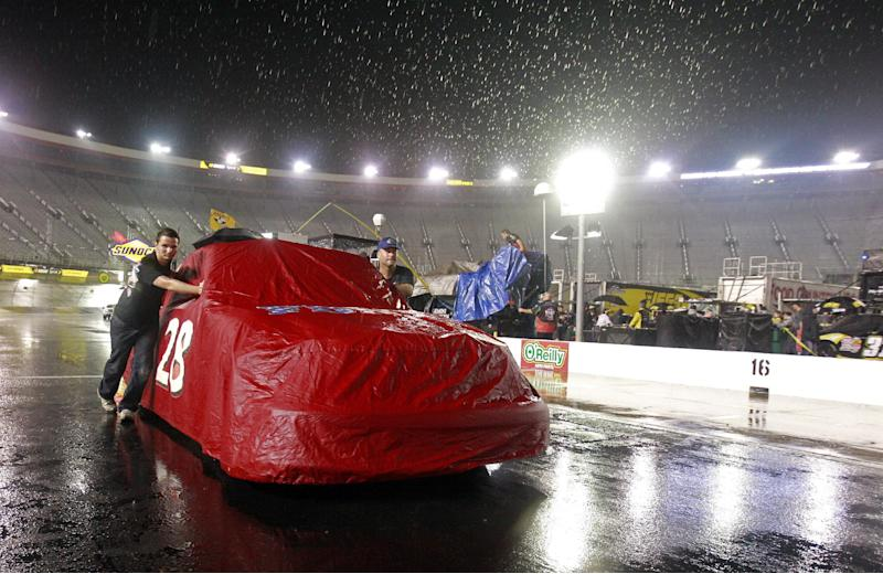 Rain washes out trucks race at Bristol Speedway
