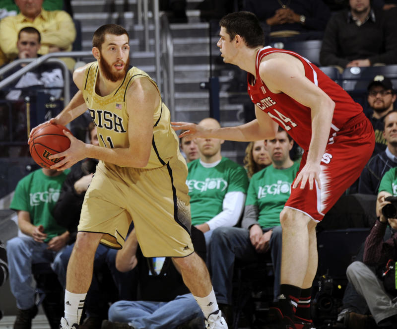 Warren scores 17 in NC State 77-70 win over Irish