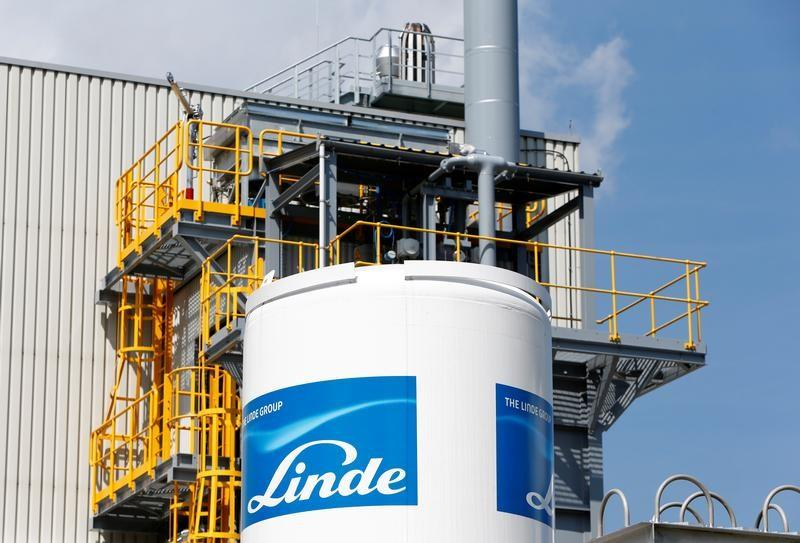 Linde Stock Surges on Renewed Praxair Merger Talks