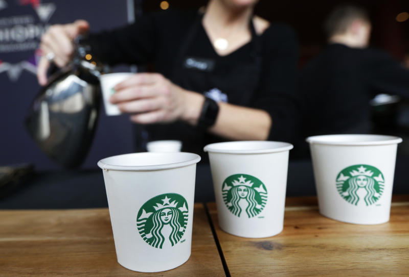 Starbucks eyes soda and lunch as US sales climb