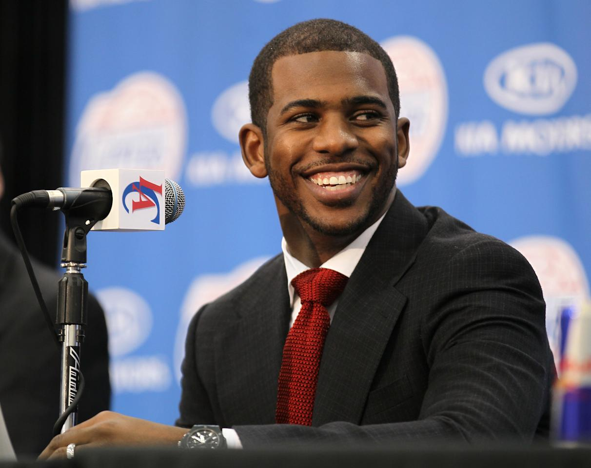 PLAYA VISTA, CA - DECEMBER 15:  Chris Paul smiles at a press conference introducing him as a member of the Los Angeles Clippers on December 15, 2011 at the Los Angeles Clippers Training Center in Playa Vista, California.  (Photo by Stephen Dunn/Getty Images)