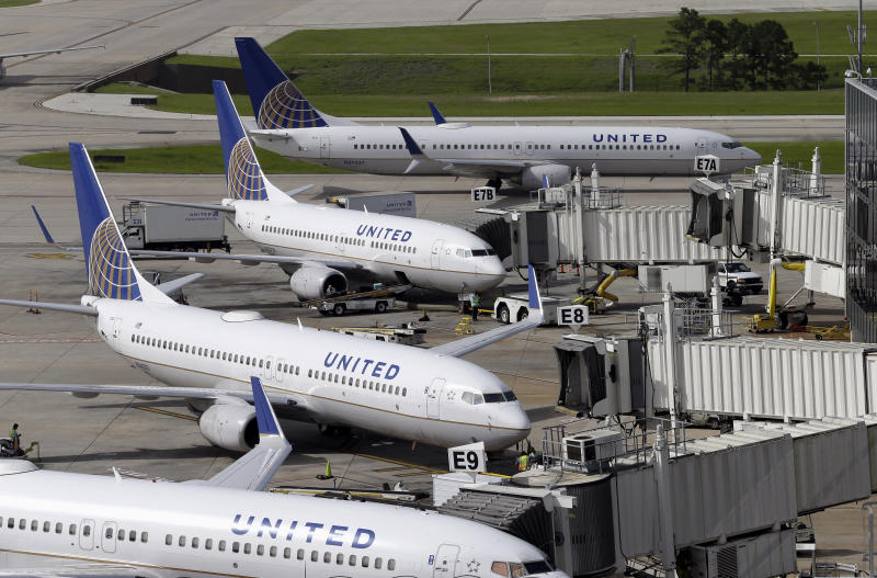 United raising limit on payments to bumped flyers to $10000