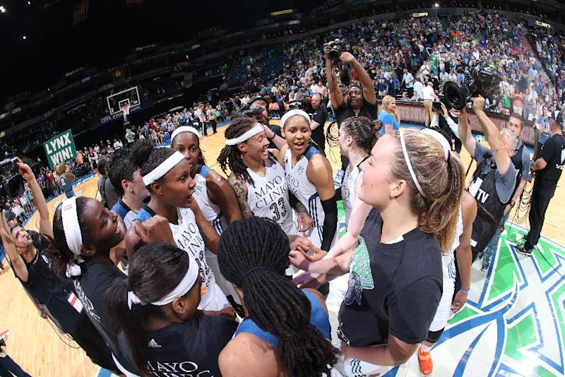 MVP Moore leads Lynx past Stars, 88-84, in Game 1