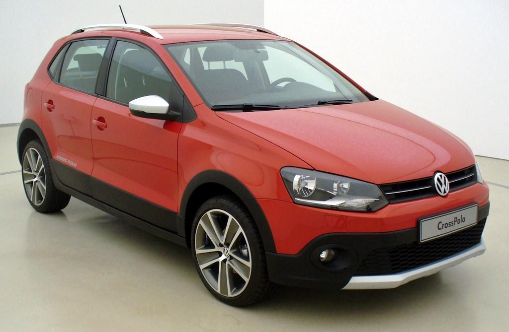 The Cross Polo is Volkswagen's temporary answer to compact SUVs till the Taigun arrives in India. This vehicle will be priced around Rs. 10 lakhs.