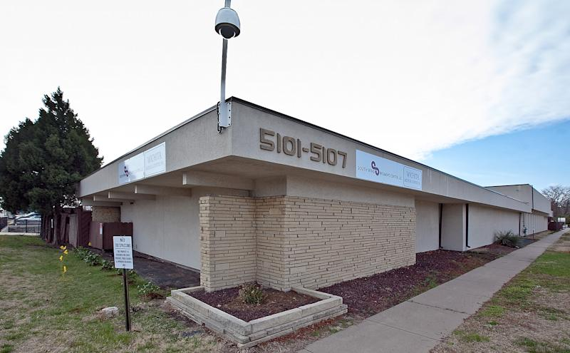 Kan. abortion clinic opens in slain doc's building