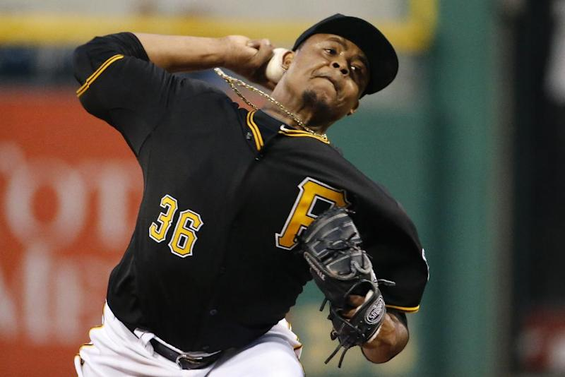 Alvarez's single lifts Pirates over Cardinals 4-3