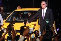 India tycoon still has big hopes for little Nano