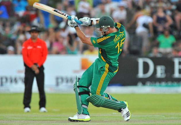 Graeme Smith of South Africa hits a boundary during the 2nd One Day International match between South Africa and New Zealand at De Beers Diamond Oval on January 22, 2013 in Kimberley, South Africa. (Photo by Duif du Toit/Gallo Images/Getty Images)