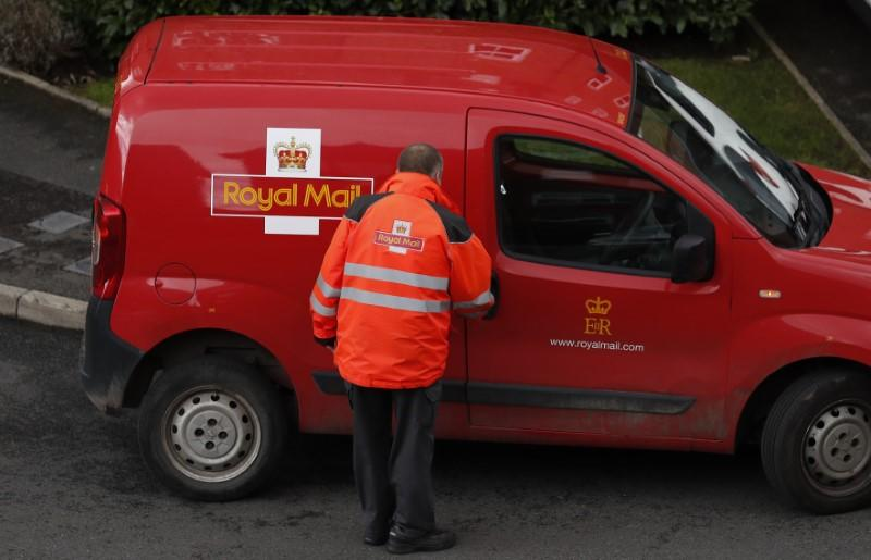 Royal Mail share price slumps as group posts flat revenues
