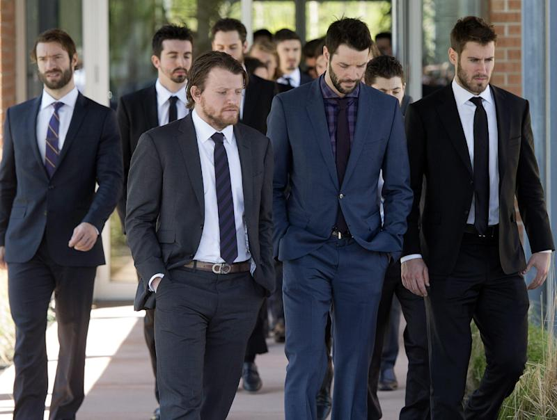 Rangers players join St. Louis for mom's funeral