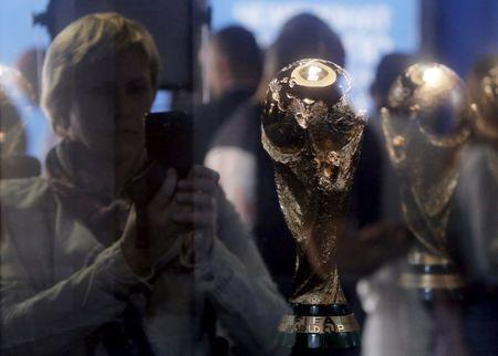 U.S., Mexico, Canada announce joint bid for 2026 FIFA World Cup