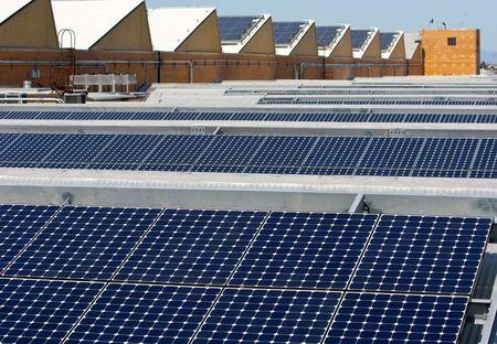SunPower cost-cutting plan to include job cuts, plant closure