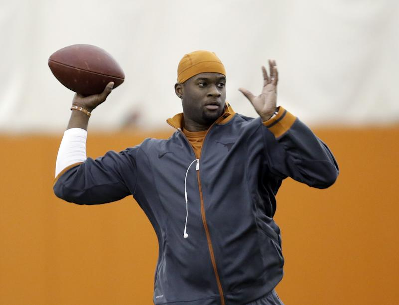 Vince Young officially signing with CFL's Saskatchewan Roughriders