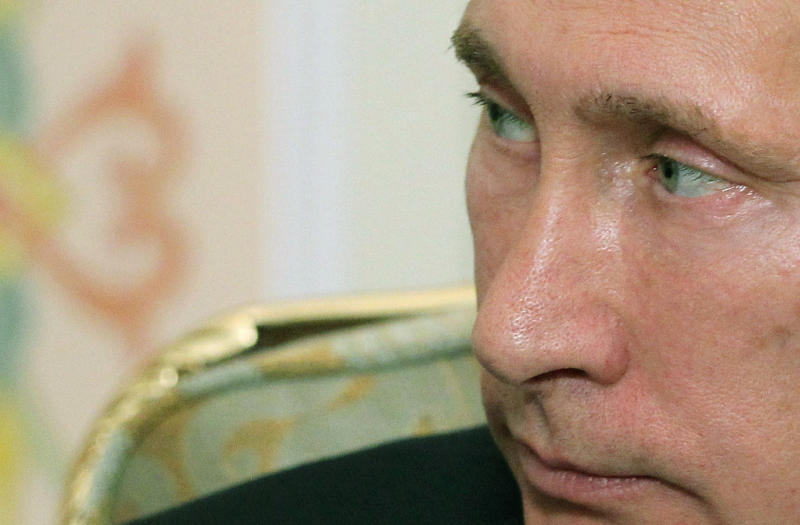 US careful not to let Snowden destroy Russia ties