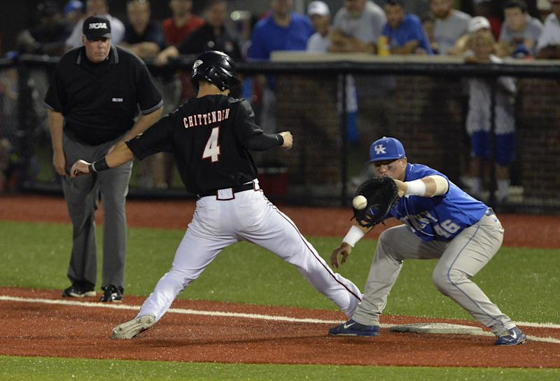 Kentucky baseball turns 7-2-6 triple play vs. Louisville