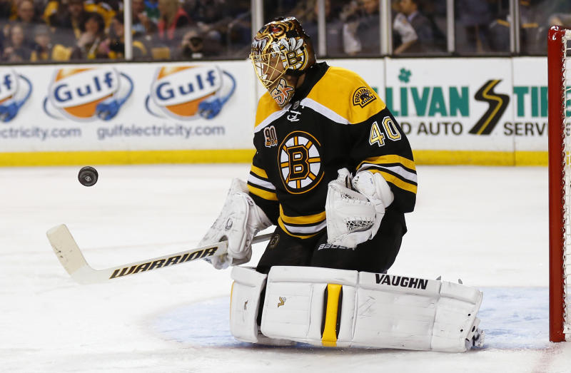 Bruins beat Coyotes 2-1 for 7th straight win