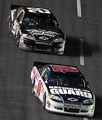 Junior's gamble doesn't pay off; Harvick prevails