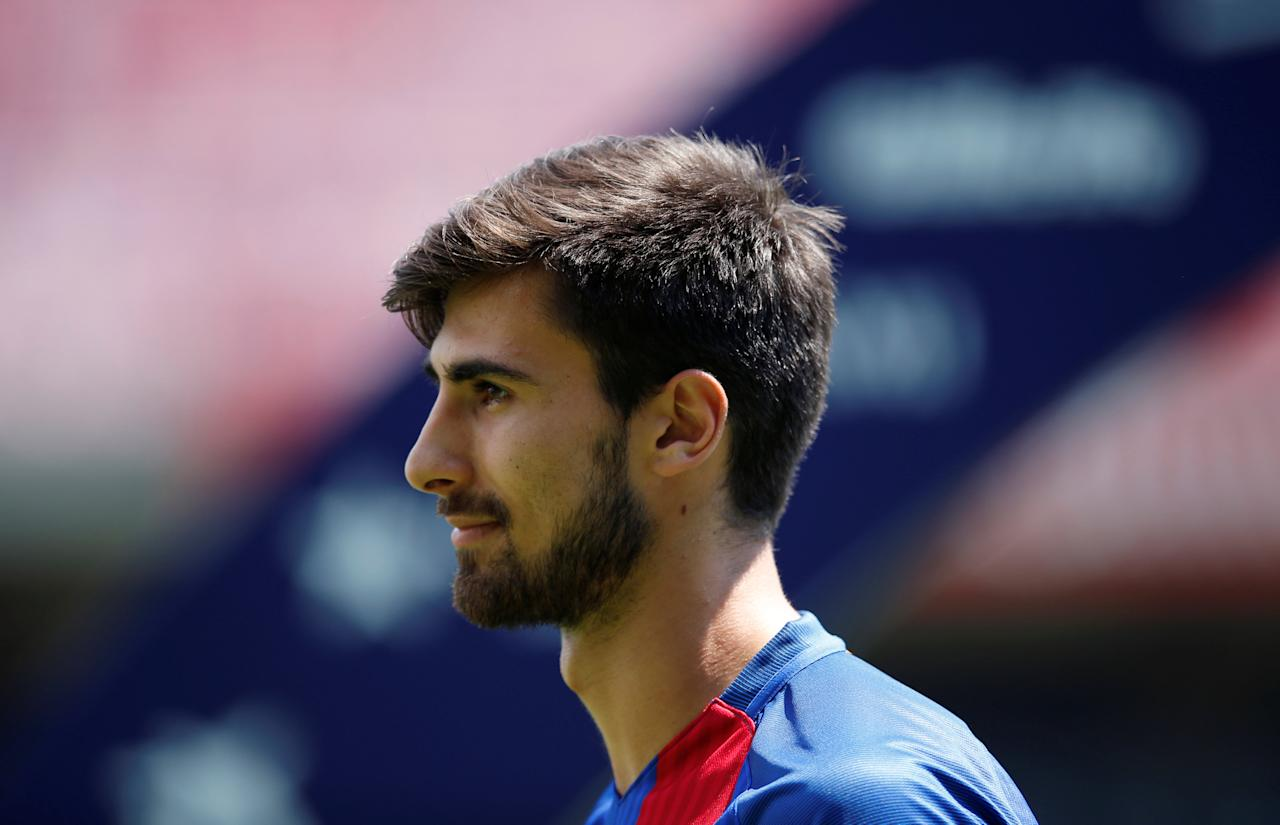 FC Barcelona's newly signed soccer player Andre Gomes poses during his presentation at Miniestadi stadium in Barcelona, Spain, July 27, 2016.  REUTERS/Albert Gea