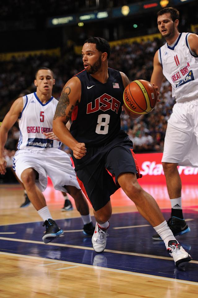 MANCHESTER, ENGLAND - JULY 19:  USA player Deron Williams  in action during the Men's Exhibition Game between USA and Team GB at Manchester Arena on July 19, 2012 in Manchester, England.  (Photo by Stu Forster/Getty Images)