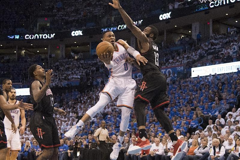 Thunder survive Rockets, claw back in series