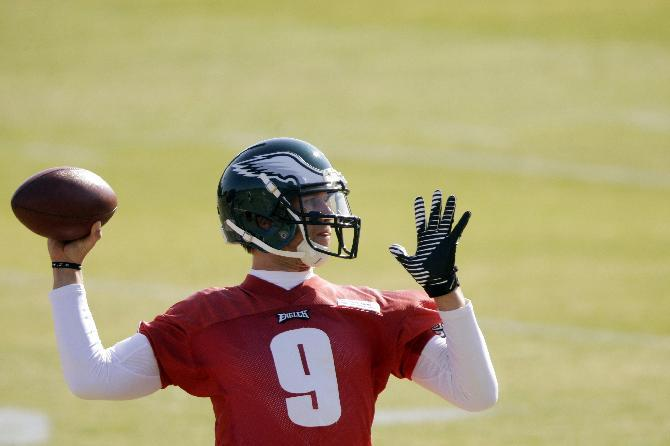 QB Foles to start for Eagles vs. Raiders