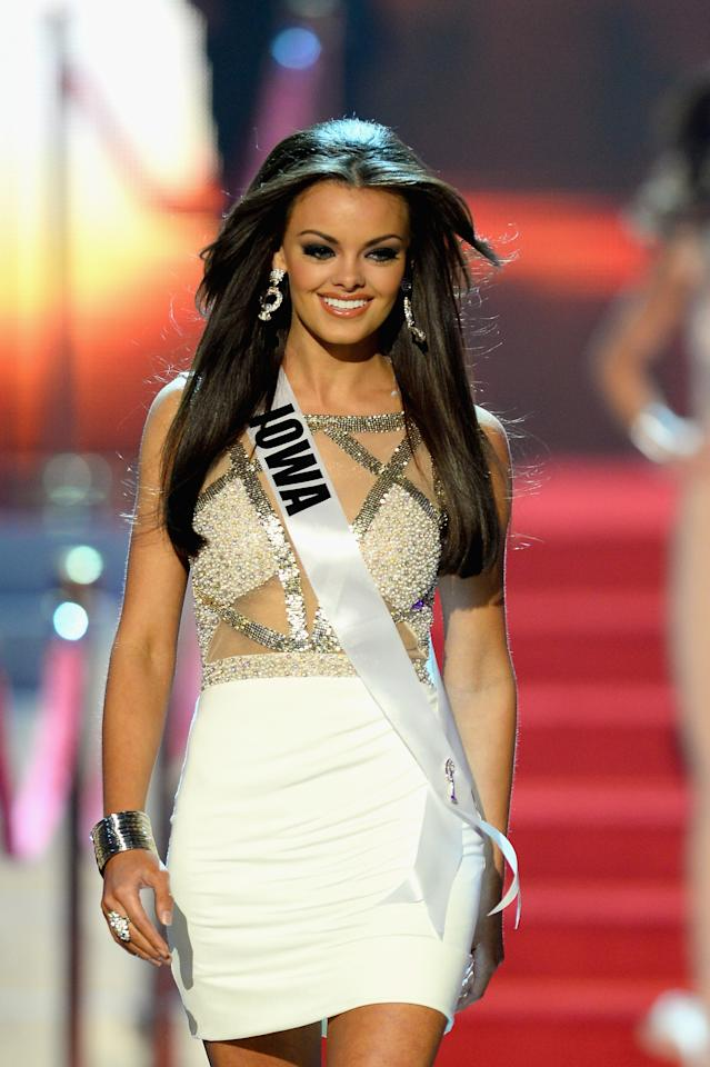 LAS VEGAS, NV - JUNE 16: Miss Iowa USA Richelle Orr walks onstage during the 2013 Miss USA pageant at PH Live at Planet Hollywood Resort & Casino on June 16, 2013 in Las Vegas, Nevada. (Photo by Ethan Miller/Getty Images)