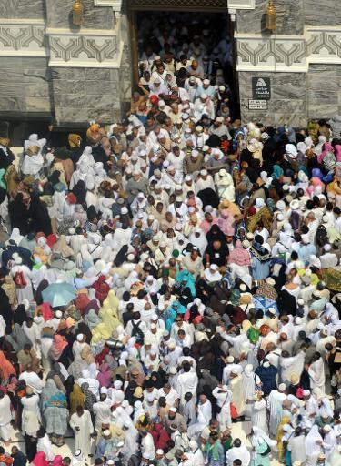 <p>Muslim pilgrims leave after performing the Friday prayer at Mecca's Grand Mosque, on October 11, 2013 as hundreds of thousands pour into the holy city for the annual hajj pilgrimage</p>