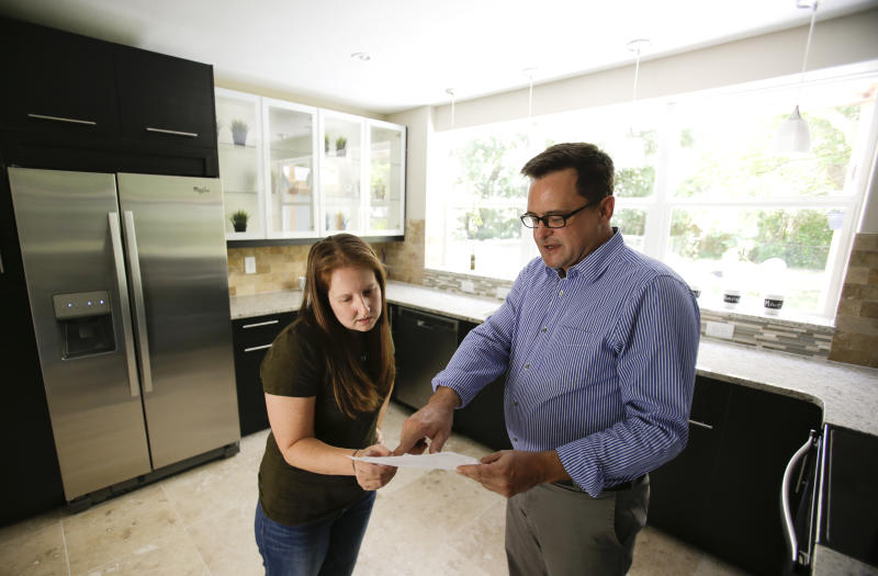 Study: US millennials buying homes later