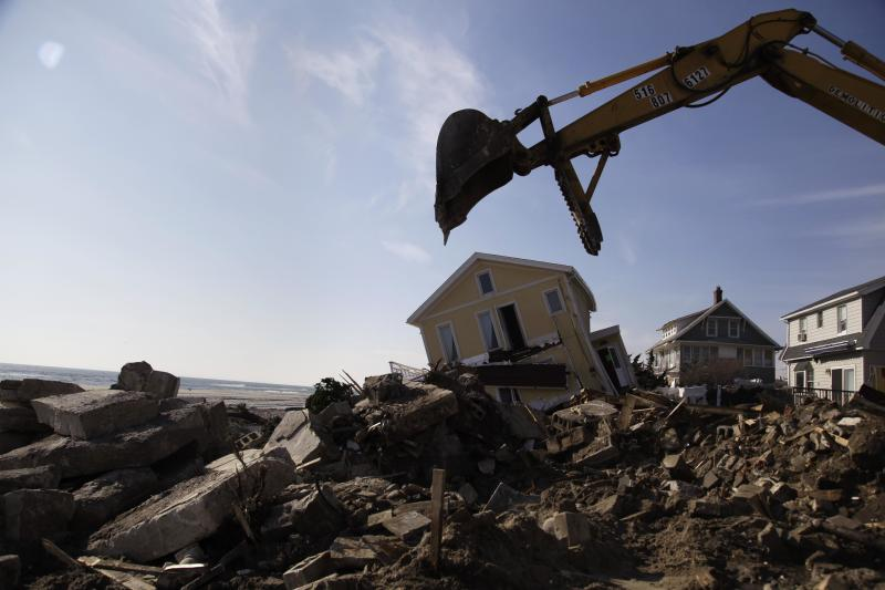 After Sandy, NYC pins housing hope on repairs