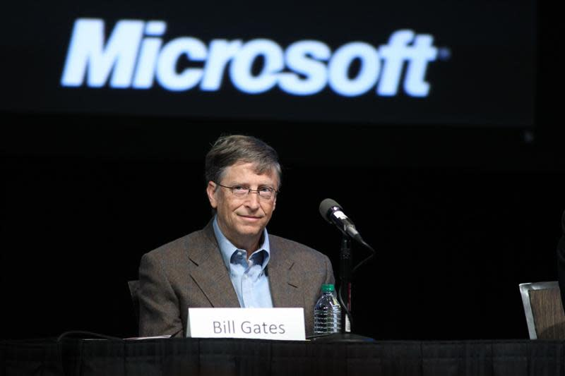 Microsoft Chairman Bill Gates attends the Microsoft Shareholders meeting at Meydenbauer Center in Bellevue, Washington in this November 15, 2011 file photo. REUTERS/Anthony Bolante/Files