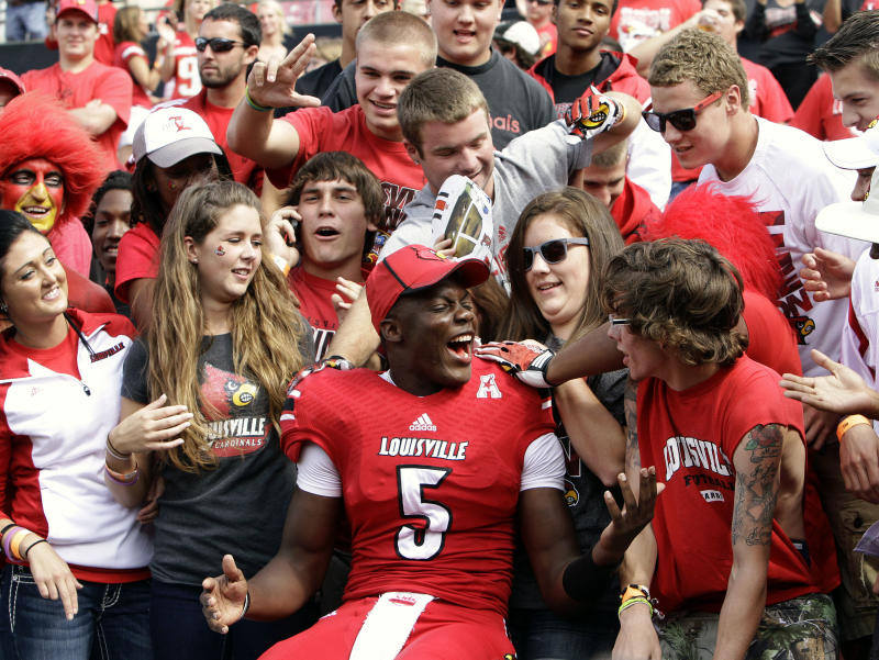 No. 7 Louisville blows out FIU, 72-0
