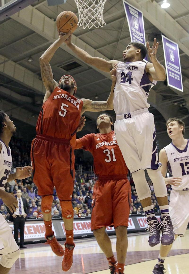 Petteway leads Nebraska past Northwestern, 53-49