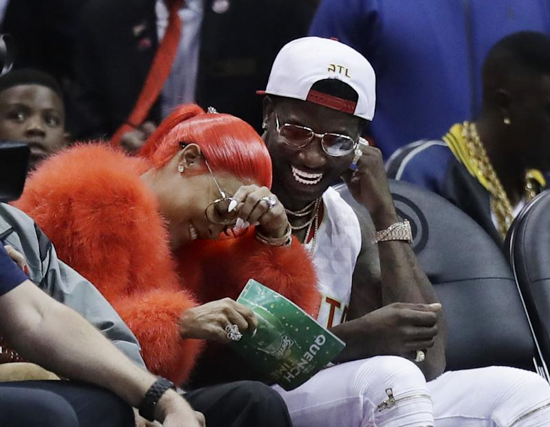 Rapper Gucci Mane proposes to girlfriend Keyshia Ka'oir at NBA game