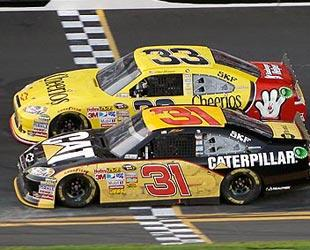 Two-car racing adds new level of intrigue
