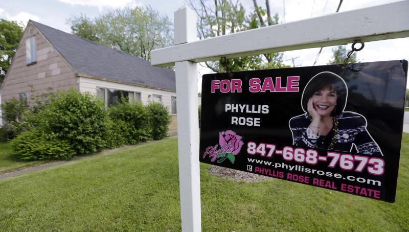 US home sales dip but remain near 3½-year high