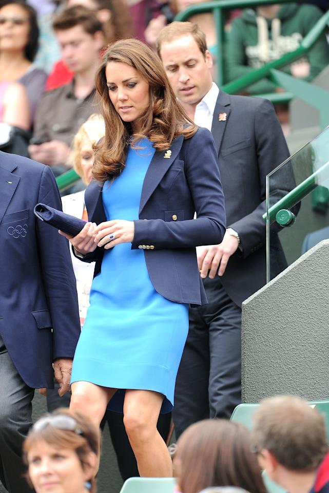 LONDON, ENGLAND - AUGUST 02:  Catherine, Duchess of Cambridge and Prince William, Duke of Cambridge attend the match between Andy Murray of Great Britain and Nicolas Almagro of Spain in the Quarterfinal of Men's Singles Tennis on Day 6 of the London 2012 Olympic Games at Wimbledon on August 2, 2012 in London, England.  (Photo by Pascal Le Segretain/Getty Images)