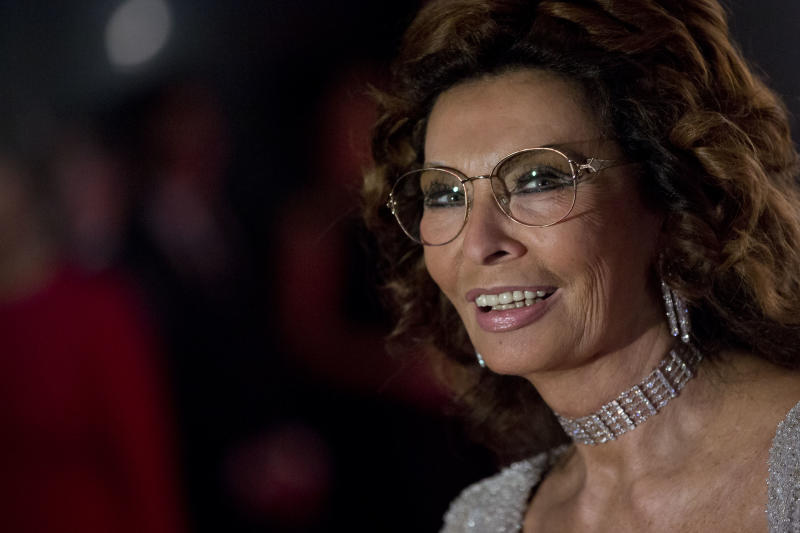Top Italian court sides with Loren in tax dispute