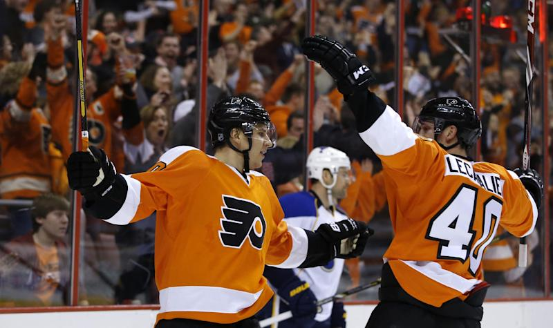 Flyers top Blues 4-1 for 5th straight win