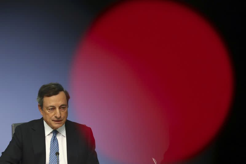 ECB's Praet warns of external risks to euro zone economy