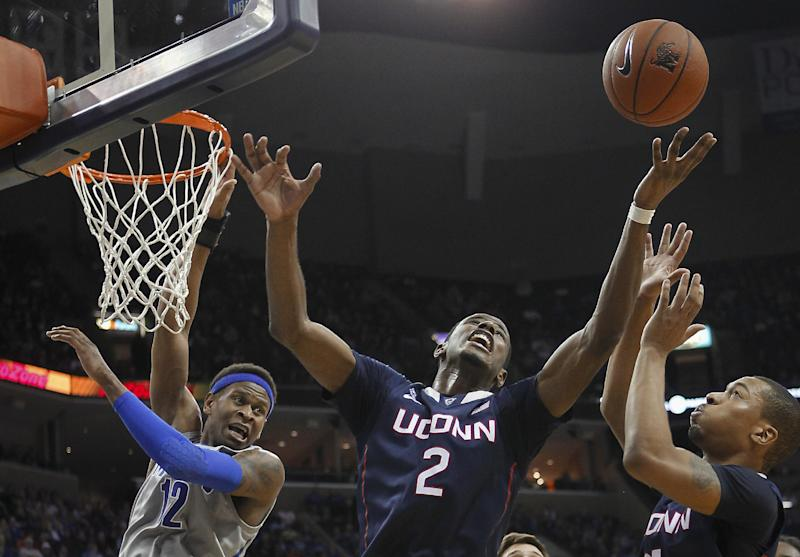 UConn goes on road, beats No. 17 Memphis 83-73