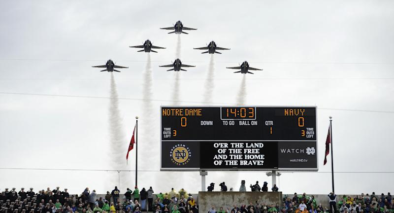 Notre Dame hangs on for 38-34 win over Navy