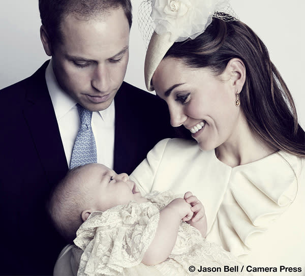 Britain's Prince William, his wife Catherine, Duchess of Cambridge and their son Prince George Alexander Louis of Cambridge, pose for the official portrait for the christening of Prince George, photographed in The Morning Room at Clarence House in London October 23, 2013 released to Reuters October 26, 2013. REUTERS/Jason Bell/Camera Press/ Handout (BRITAIN - Tags: ROYALS ENTERTAINMENT TPX IMAGES OF THE DAY) ATTENTION EDITORS - MANDATORY KILL 48 HOURS AFTER 22.00 BST SATURDAY 26 OCTOBER 2013