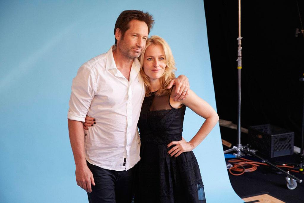 """David Duchovny and Gillian Anderson of """"The X-Files"""" posing for TV Guide at the 2013 Comic-Con International Convention."""
