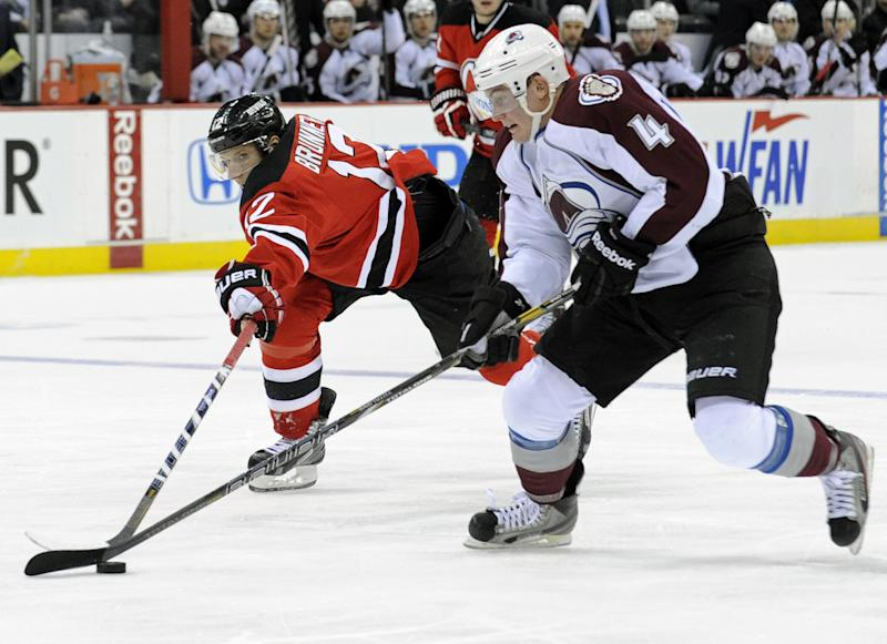 Avalanche rally late to beat Devils 2-1 in OT