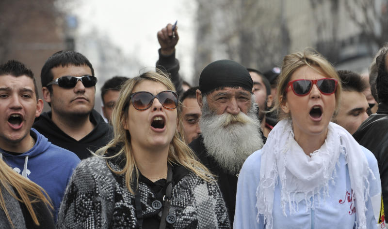 Thousands of Greeks protest planned gold mine