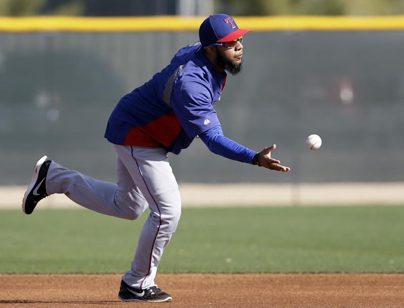 Rangers SS Andrus sidelined by forearm soreness