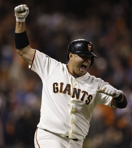 Giants beat Dodgers 10-9 on Quiroz's walkoff HR