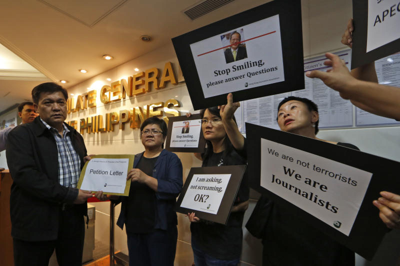 APEC evicts HK journalists who heckled Aquino