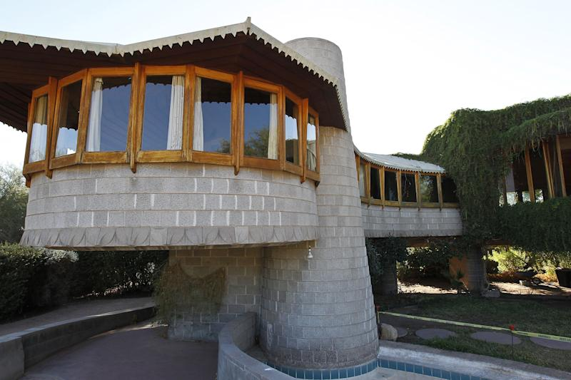 Benefactor buys Wright-designed home in Phoenix