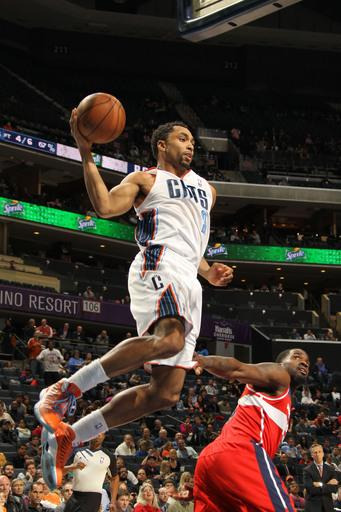 Bobcats snap Wizards' 3-game win streak 119-114